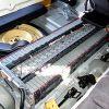 ハイブリッド車のバッテリー。ガソリン車のものと違います。全く!のサムネイル画像
