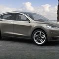 テスラモデルX 2015年7月に発売されるSUVの電気自動車とは?のサムネイル画像